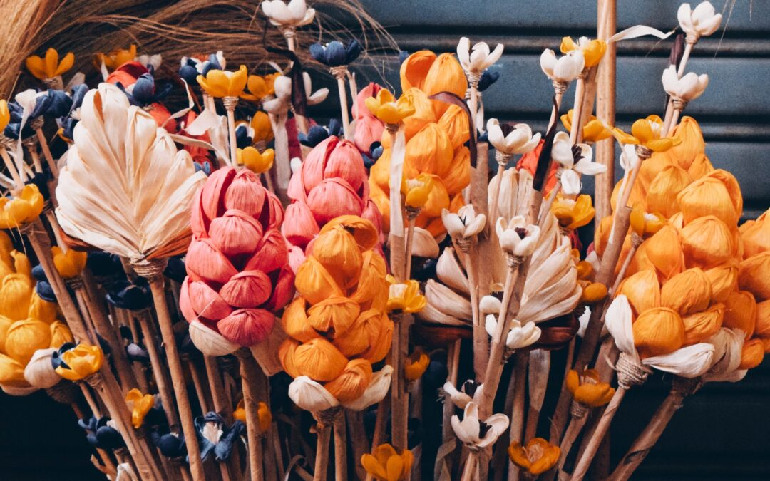 Dried Flowers: A look at the faux, dried & preserved plant trend
